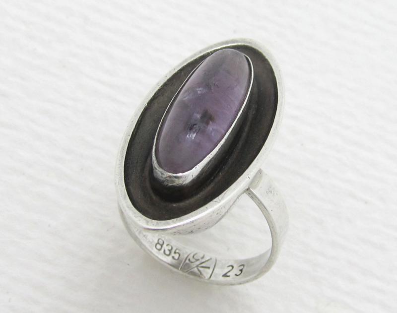 georg kramer design silber ring mit amethyst navette ring. Black Bedroom Furniture Sets. Home Design Ideas
